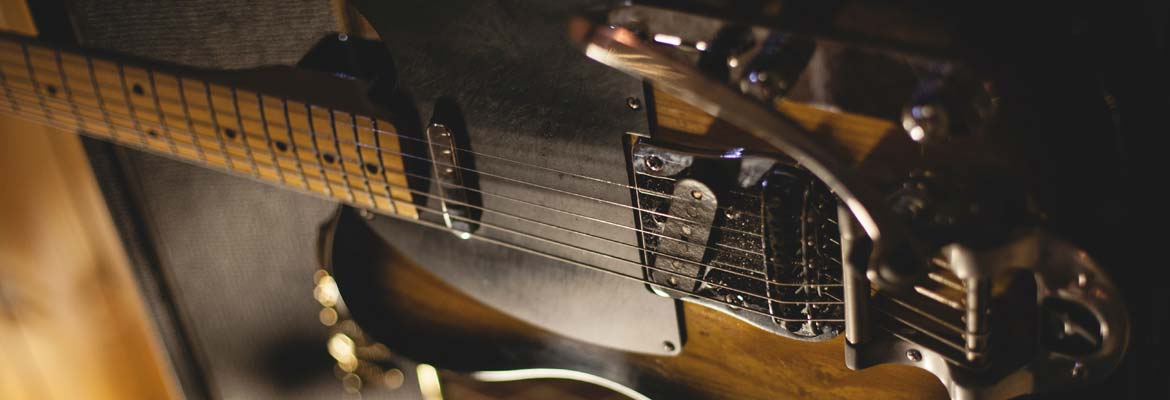 How to create guitar melodies using simple chords